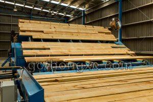 Bán gỗ thông xẻ nhập khẩu Quận 2